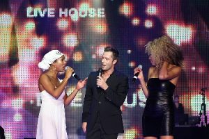 Sänger und Sängerin vor LED Wand Party, Show, Gala